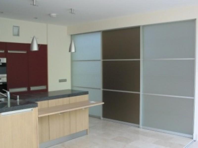 Scheidingswand woonkamer slaapkamer beste inspiratie - Keuken en woonkamer in dezelfde kamer ...
